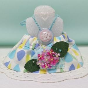 くまちゃんは紫陽花ポッケのワンピースを着て完成♪