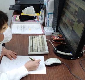 インターナショナルスクールで学ぶ子供たちの様子