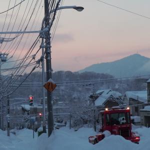 雪が降るたび繰り返される光景