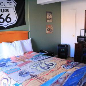 「ルート66愛してます」感が出てる部屋。