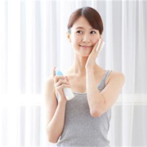 【女性必見!】化粧水や保湿液に頼るのはもうやめよう!