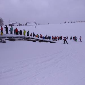 月曜日は、SKI,ski