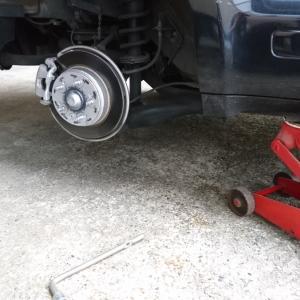 失敗しない!実は簡単なタイヤ交換のコツ!冬の備えは節約しよう。