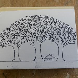 『樹木キ-ホルダ-掛け』を作っています!