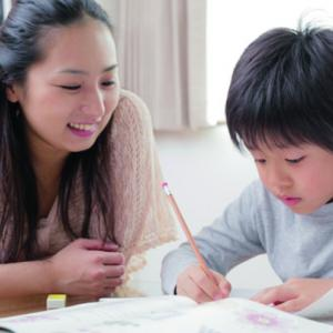 お母さんと小学生の勉強
