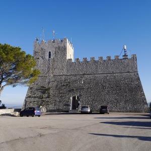 モリーセの旅、カンポバッソの山の上のお城とか。