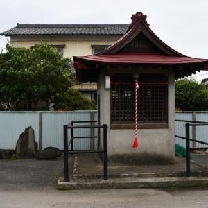 地蔵大菩薩堂の力石(蓮田市)