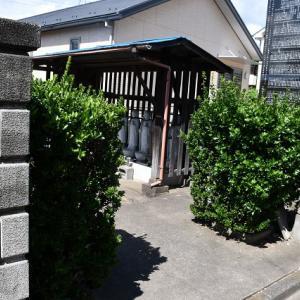 照富久寺墓地の力石