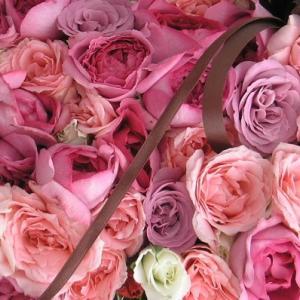 色々なピンクバラでBOXアレンジ