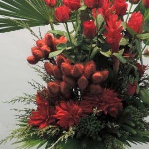 ダリア薔薇ジンジャーの赤赤赤アレンジ