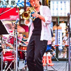 <写真>定禅寺ストリートフェスティバル(1) ~岡田銀蔵(すずめバンド)~