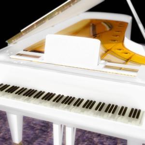 <CG>「白いグランドピアノの思い出」 ~初めて触った本物のピアノでした~