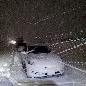 <大寒波>福井と富山、大雪で1700台以上が立ち往生、自衛隊に災害派遣要請
