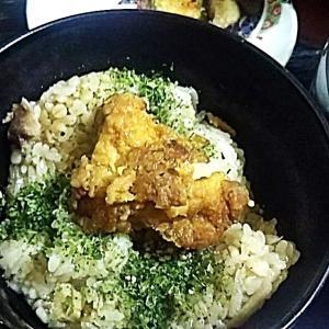 鶏飯に残りの唐揚げ団子汁