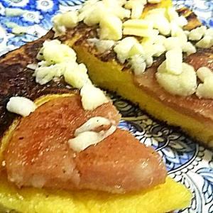 ソーセージとチーズのパンケーキ