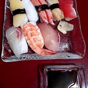 お盆の寿司は高い