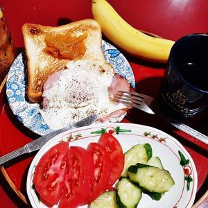珍しくトーストの朝食
