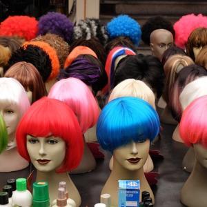 白髪染めをやめる途中で困らない為に傷まない方法で色を入れる