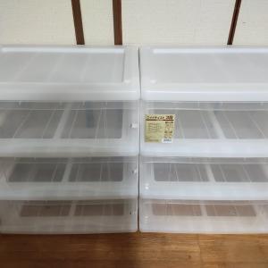 透明収納ケース¥1980-&seria透明ケースで、衣類収納。