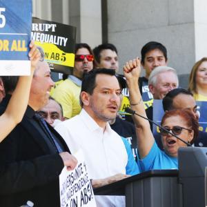 カリフォルニア州AB-5成立、ギグワーカーを個人事業主から従業員に改める