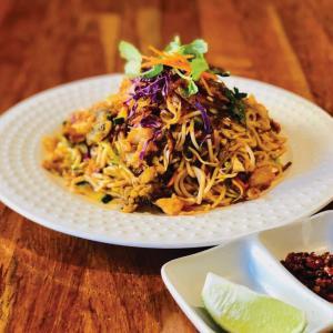 【今週のTo Go!】海老と野菜のかき揚げを麺にからめて Summer Noodle Salad byKaraweik