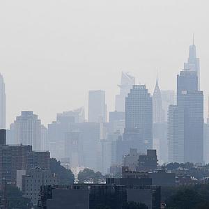 西部の山火事の煙がニューヨークに延焼範囲拡大