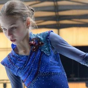 トゥルソワは、なぜプルシェンコが彼女に安定した4回転ジャンプを教えられるのかを話した