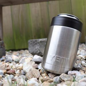 【YETI】保冷缶ホルダー(缶クーラー)の保冷力は圧倒的!高価な理由を解明しました。