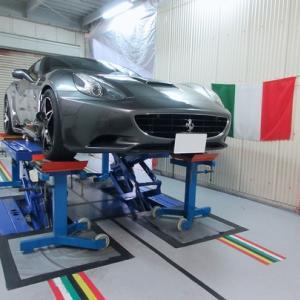 フェラーリ カリフォルニア 車高 及び アライメント調整