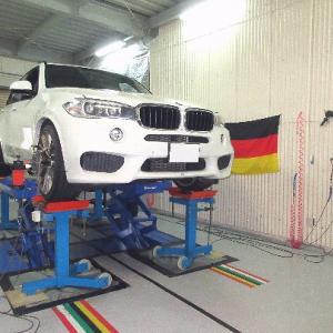 BMW X5 アライメント調整