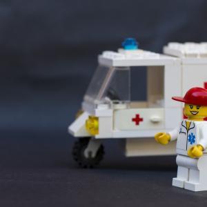 【救急車を呼びたいときに困ってる全て人へ】救急車の呼び方?準備するもの?呼ぶか迷ったら?