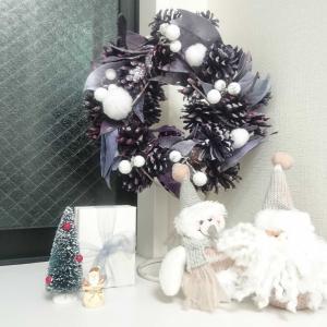 クリスマスリーフを飾る