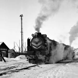 昭和50年蒸気機関車79616 追分機関区構内で休息中
