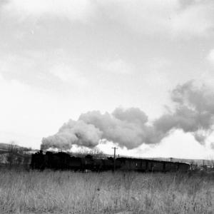 昭和48年蒸気機関車C58 釧網線標津駅傍で混合列車を