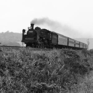 昭和50年蒸気機関車C5757 撮影地不明の写真が有りました
