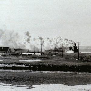 昭和48年蒸気機関車C58197 北浜~浜小清水間で民家を入れて