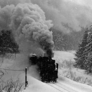 昭和49年蒸気機関車D51484 吹雪の塩狩峠で寒さに耐えて撮影
