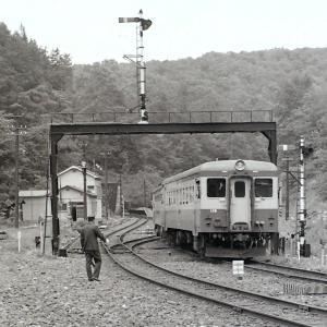 常紋信号所とキハ11形気動車(昭和49年)