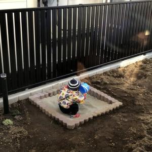 DIY 庭に小さな砂場を作った
