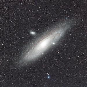 季節先撮りアンドロメダ座の大星雲(M31)