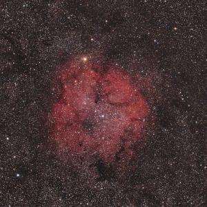 シグマAPO MACRO 150mmF2.8によるケフェウス座のIC1396散光星雲付近