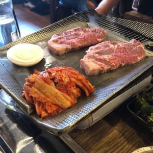 新大久保で韓国人がおすすめするサムギョプサル店2選【韓国美女がここしかないと豪語する美味しいお店】
