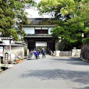 飫肥城の大手門