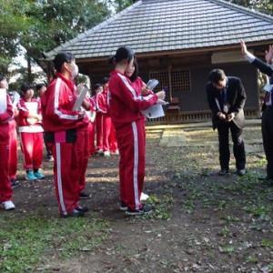 「潮来高校生の島崎城跡見学会」が開催されました。