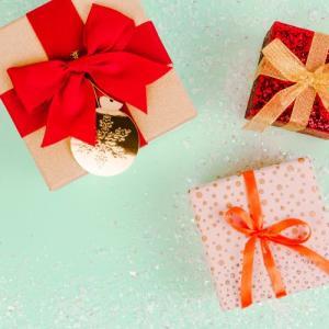【記念日】アラサーカップル!各記念日プレゼントの金額目安は?(誕生日・クリスマス・◯年記念日・バレンタイン)