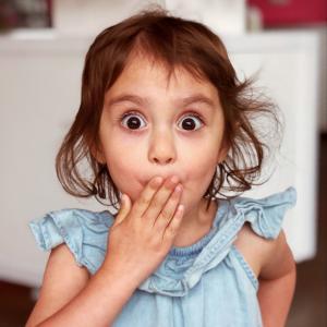 「しゃっくり」、英語でなんて言う?同じ単語の意外な使い方もご紹介!
