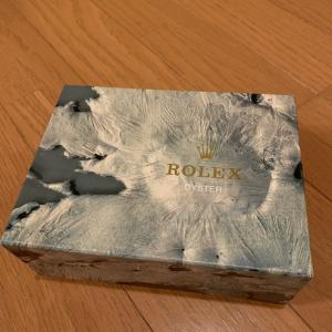 ロレックスは箱も立派なんです