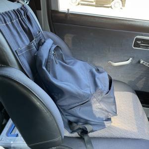 いよいよジムニーの助手席のシートを外そうと考えてます