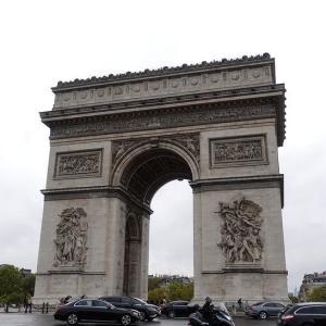 落ち葉が散る秋の町 20年ぶりの散策*パリ