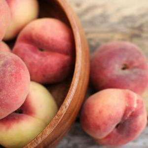 桃の皮を超簡単にむく方法 簡単で失敗しない皮のむき方と、美味しいももの買い方